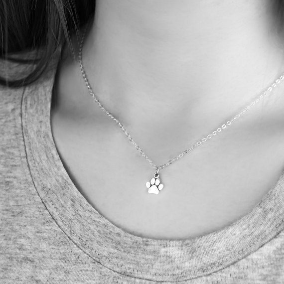 paw-print-necklace